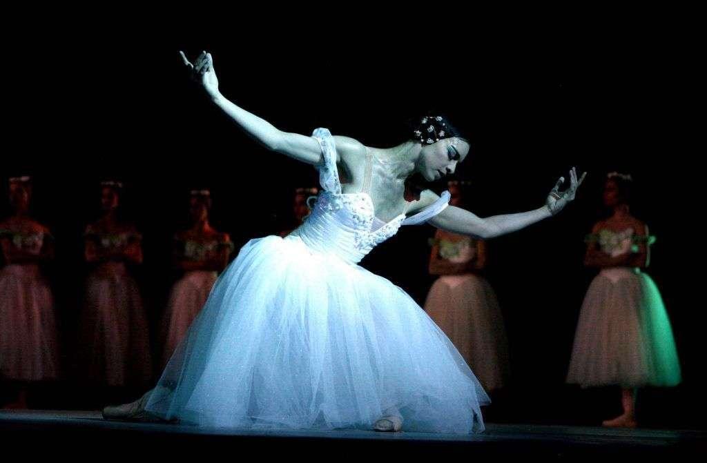 Escenas de Giselle por el Ballet Nacional de Cuba. Foto tomada de Havana-Live.