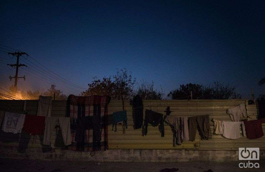 The Cubans' clothes drying out in the AMAR shelter. Photo: Irina Dambrauskas.