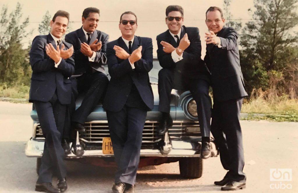 """Los Zafiros de """"Locura Azul"""", interpretados por los actores Sirio Soto, Juan Antonio Leyva, Luis Alberto García, Bárbaro Marín y Néstor Jiménez. Foto: Cortesía de Hugo Cancio."""