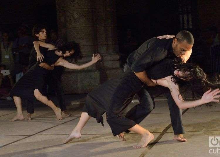 Danza Teatro Retazos (La Habana, Cuba). Foto: Otmaro Rodríguez.