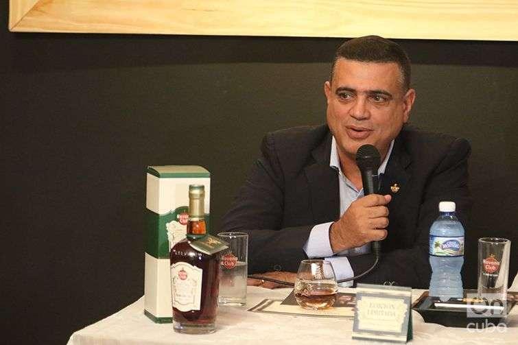 Maestro ronero Asbel Morales. Foto: Ismario Rodríguez.