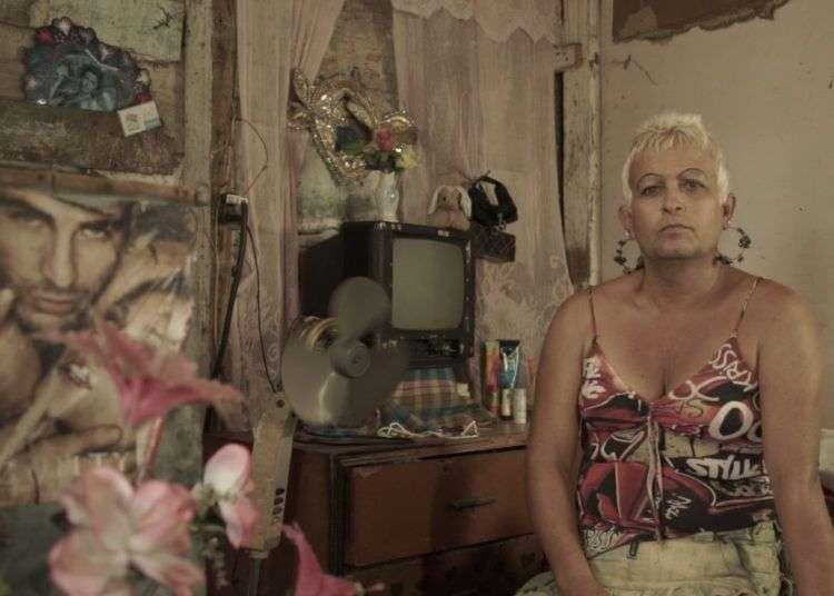 """Adela, """"la Delegada"""", cuyo nombre civil es José Agustín. Still del documental """"Villa Rosa""""."""