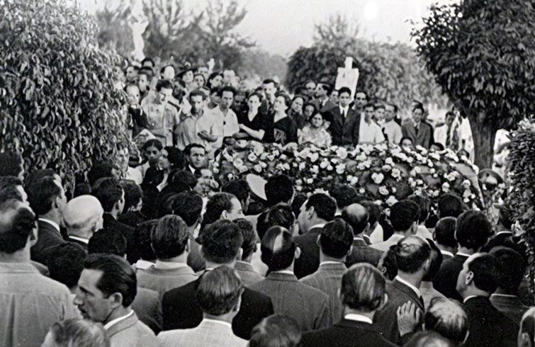 El entierro del campeón cubano en el cementerio habanero de Colón. Foto: chesshistory.com.