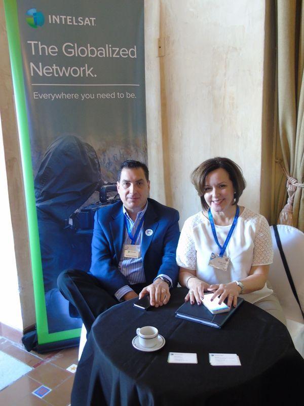 Iliana Tuya y Richard Kohlweg, directores de ventas para Latinoamérica y el Caribe en la empresa Intelsat. Foto: Sundred Suzarte.