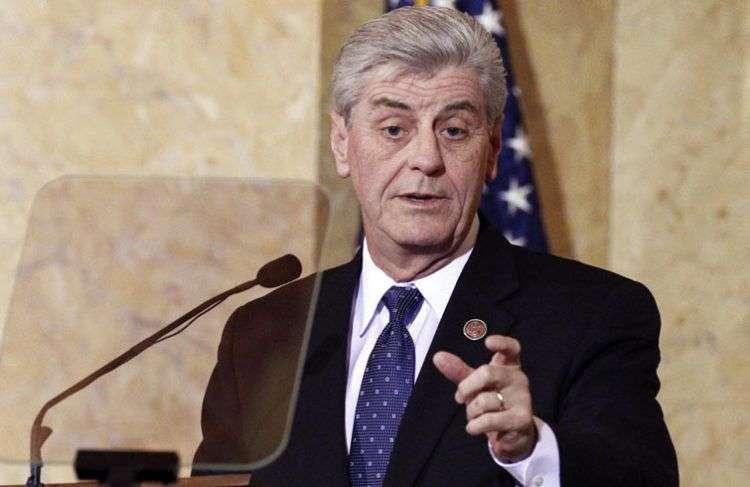 El gobernador de Misisipi, Phil Bryant. Foto: politico.com.
