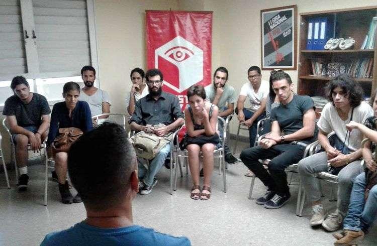 Taller organizado por la Muestra Joven ICAIC. Foto: Facebook/Muestra Joven, Cuba.