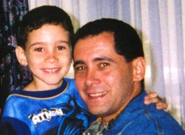 Elián González y su padre Juan Miguel después de una reunión en la base aérea de Andrews en Maryland. 22 de abril de 2000.