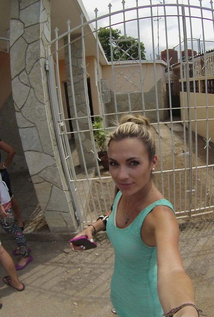Alyssa Ramos con su GoPro en Santiago de las Vegas.