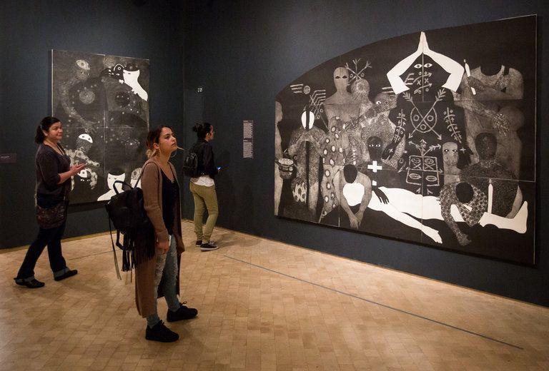 """Izquierda, """"Añoranza"""" (1998); derecha """"Nlloro"""" (1991). Foto: Michael Nagle, The New York Times."""
