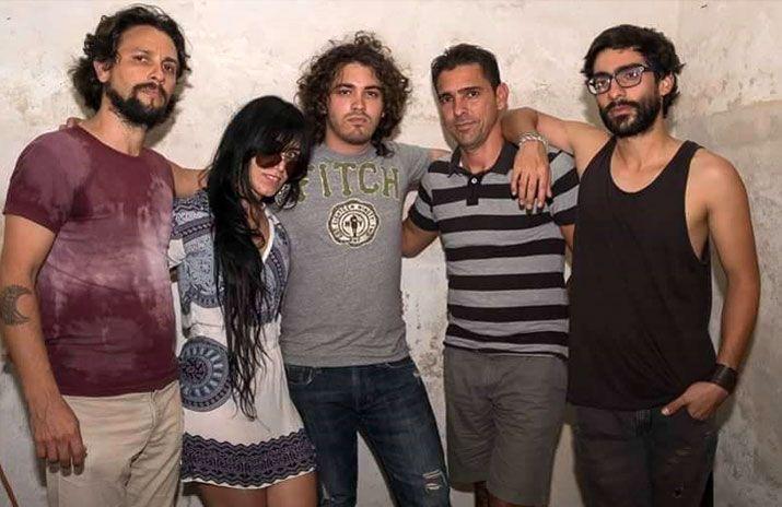 Lien, Rey y algunos de sus músicos habitales: Ronier Rosquete (bajo), Johann Medina (batería) y Pepe Gavilondo (teclados). Foto: Johann Trujillo.