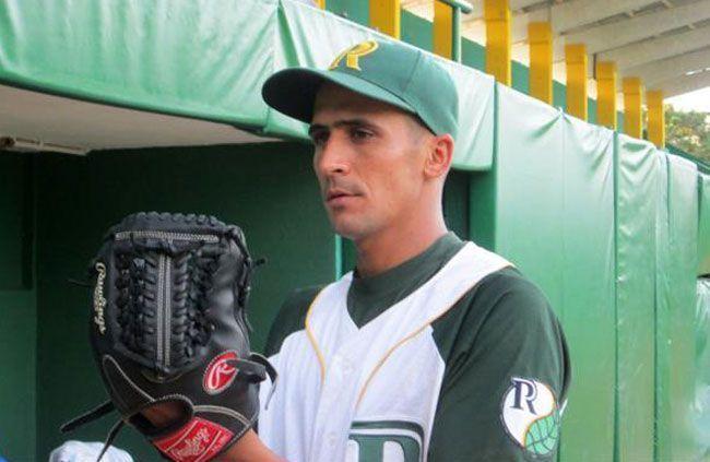 El pinareño Yoandy Cruz, con 0.89 de PCL, es una rareza en la Serie Nacional. Foto: Radio Guamá.