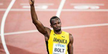 Bolt luego de la final de los 100 metros en el Mundial de Londres. Foto: Jean-Christophe Bott / EFE.