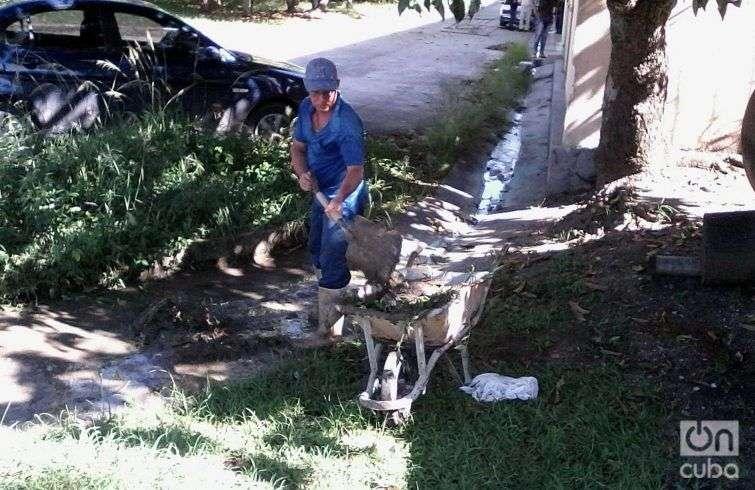 En Camagüey se realiza limpieza en espera de la llegada de Irma. Foto: Guillermo Rodríguez Sánchez.