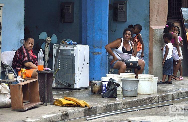 La Habana intenta volver a la vida luego del paso del huracán Irma. Foto: Otmaro Rodríguez.