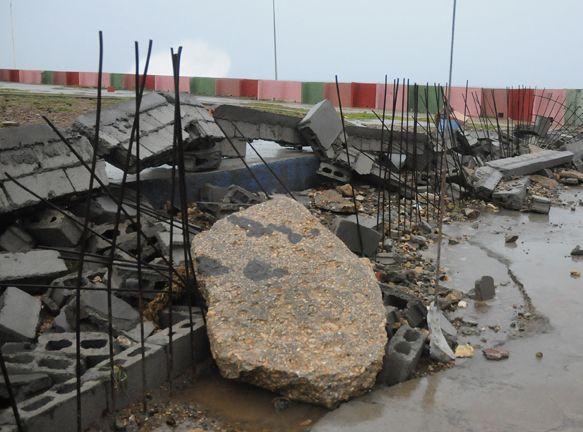 Efectos de Irma en el litoral de Baracoa. Foto: Leonel Escalona / Venceremos.