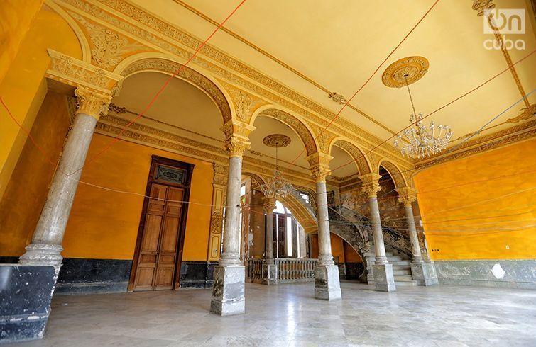 El hermoso y derruido palacete donde se ubica La Guarida es sometido a una restauración. Foto: Gabriel Guerra Bianchini.