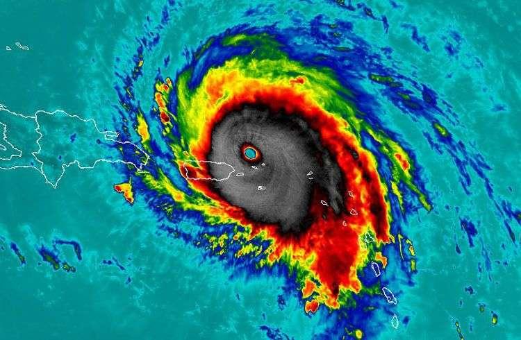 Huracán Irma en las cercanías de Puerto Rico. Foto: @SkyAlertStorm / Twitter.