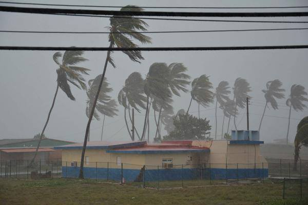 Irma azota el balneario de Santa Lucía. Foto: Radio Cadena Agramonte.