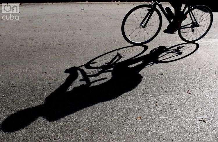 Sombras y luz. Foto: Otmaro Rodríguez.