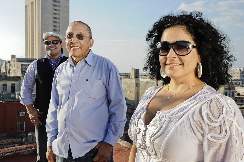 Lele, Juan Formell y Yeny en La Habana.