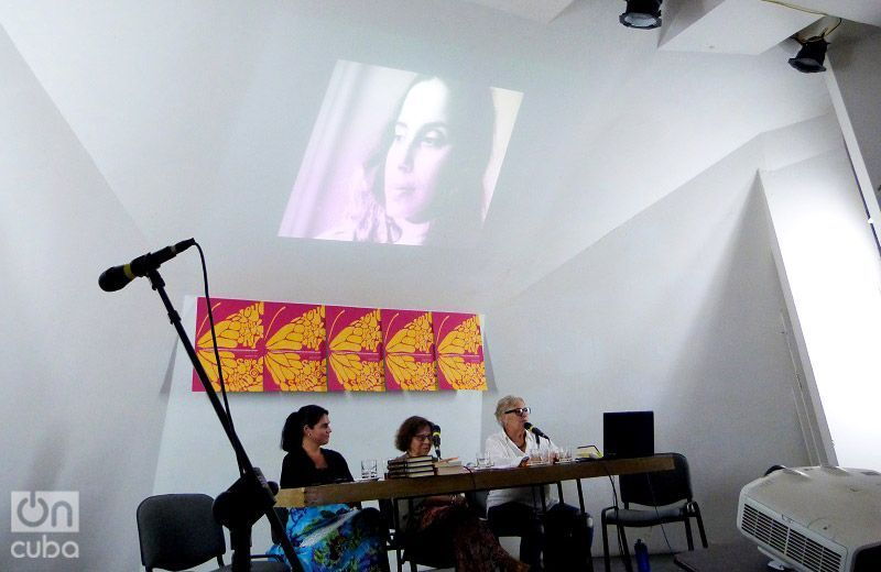 Conversatorio sobre Ana Mendieta en Casa de las Américas. Foto: Ángel Marqués Dolz.