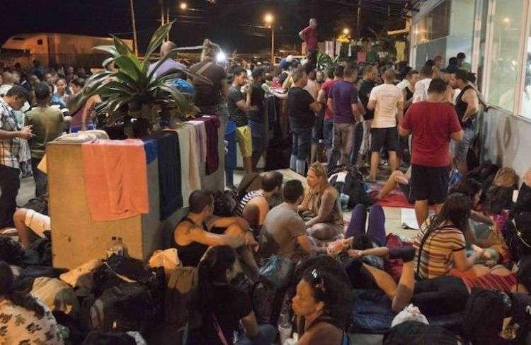 Cubanos en tránsito migratorio por Costa Rica. Foto: Getty Images.