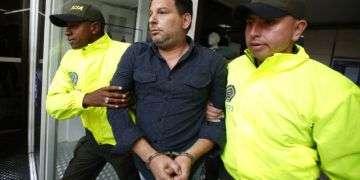 Raúl Gutiérrez dijo que formaba parte de una célula clandestina que pretendía cometer atentados contra políticos de izquierda. Foto: Fernando Vergara / AP.
