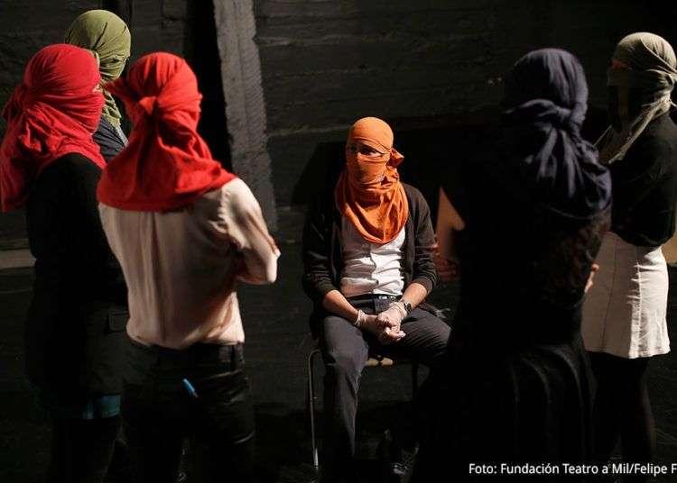 """""""Mateluna"""", del grupo Mateluna, de Chile. Dirección: Guillermo Calderón. Foto: Fundación Teatro a Mil/Felipe Fredes."""