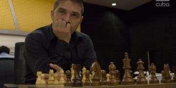 Lázaro Bruzón antes de la partida. Foto: Otmaro Rodríguez.
