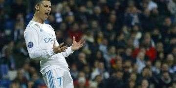 Cristiano Ronaldo contra Neymar, uno de los duelos más sonados de octavos de final de la Champions League. Foto: Francisco Seco / AP.