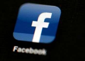 Facebook informó que suspenderá cerca de 200 aplicaciones que considera podrían haber hecho un mal uso de la información de sus usuarios. Foto: Matt Rourke / AP.