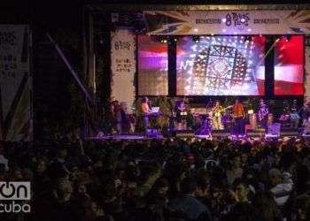 Hoy el festival suma un total de más de 50 000 asistentes, rompiendo récord con 18 mil personas en su última edición. Foto: Claudio Pelaez Sordo.