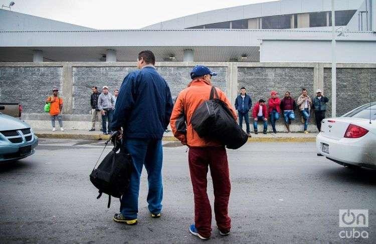 Emigrantes cubanos en la frontera entre México y los Estados Unidos. Foto: Irina Dambrauskas.