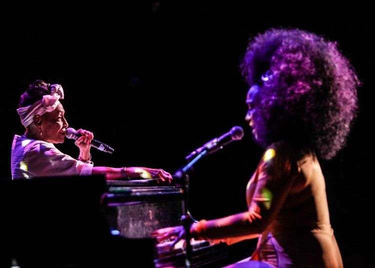 Omara Portuondo y Aymée Nuviola. Foto: Jati Lindsay / Cortesía del Kennedy Center.