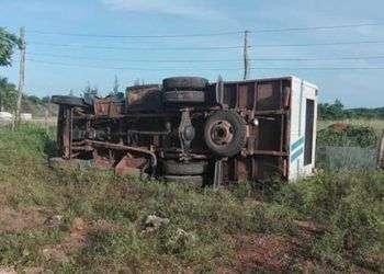 Un accidente en el municipio de Sierra Cubitas, en Camagüey, dejó más treinta heridos. Foto: @angeluis04 / Twitter.