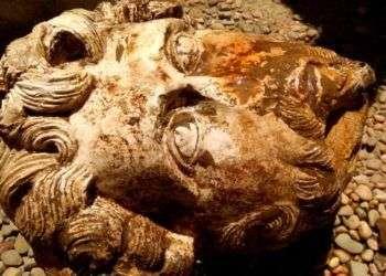 La cabeza del emperador romano Marco Aurelio que fue hallada en el Templo de Kom Ombo en la ciudad de Asuán. Foto: Ministerio de Antigüedades de Egipto vía AP.