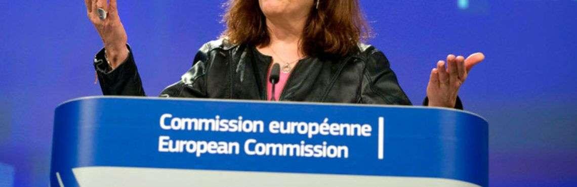 La comisaria de Comercio de la Unión Europea, Cecilia Malmstroem, durante una conferencia de prensa en la sede de la UE en Bruselas este 7 de marzo de 2018. Foto: Virginia Mayo / AP.
