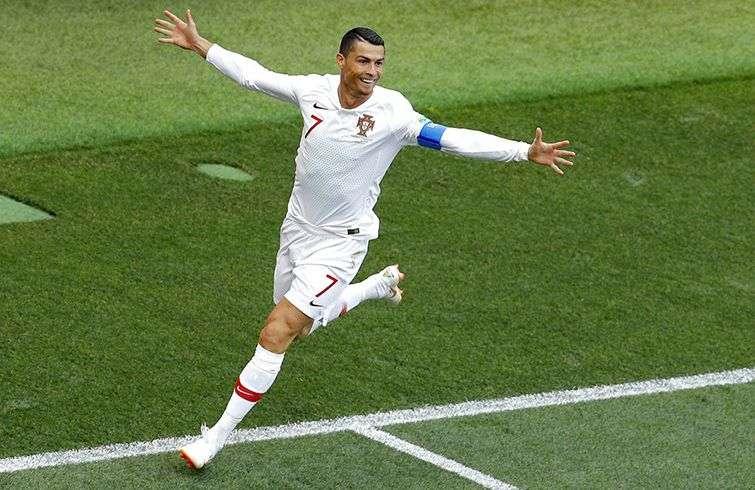 Cristiano Ronaldo festeja tras marcar el gol que le dio la victoria a Portugal ante Marruecos este miércoles 20 de junio de 2018 en el estadio Luzhniki de Moscú. Foto: Víctor Caivano / AP.