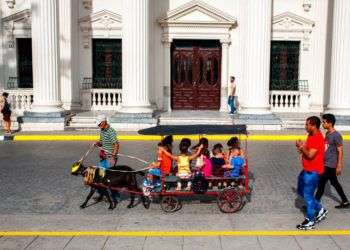 Cuentapropista en Santa Clara, Cuba. Foto: Desmond Boylan / AP.