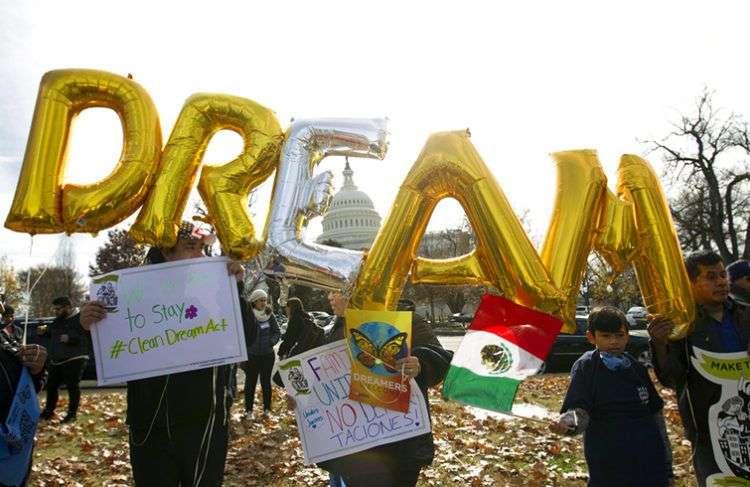 Manifestación a favor de los dreamers cerca del Capitolio en Washington. Foto: José Luis Magaña / AP.