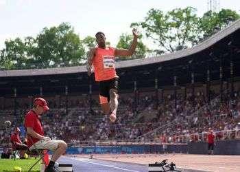 El cubano Juan Miguel Echevarría saltó 8,83 metros, la mejor marca mundial en 23 años y ganó la Liga del Diamante de Estocolmo, Suecia. Foto: deporcuba.com