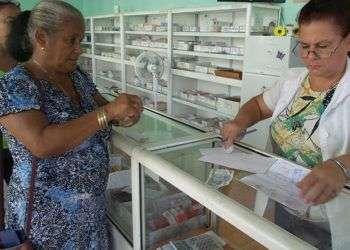 Meses después de que se reportara en Cuba la ausencia de importantes medicamentos, las carencias continúan aunque en menor medida. Foto: Juventud Rebelde.