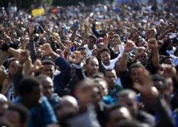Una protesta de inmigrantes africanos en la Plaza Rabin de Tel Aviv el 5 de enero de 2014. Foto: Ariel Schalit / AP.