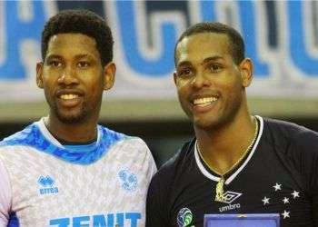 Wilfredo León (i) y Yoandy Leal son dos de los ases cubanos que intervendrán desde este martes en el Mundial de Clubes de Voleibol Masculino en Polonia. Foto: fivb.com.