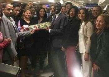 Médicos cubanos a su llegada a Kenia en los primeros días de junio. Foto: horamerica.com