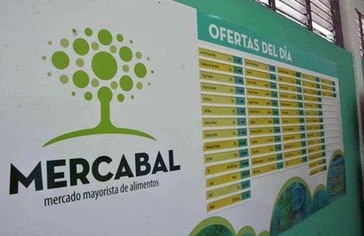 El primer mercado mayorista de alimentos para las cooperativas no agropecuarias, Mercabal, abrió sus puertas en La Habana. Foto: Foto Modesto Gutiérrez / ACN.