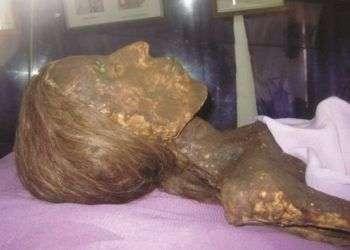 Cuerpo momificado de la señora Josefa Petronila Margarita Ponce de León. Foto: Iecim / Juventud Rebelde.