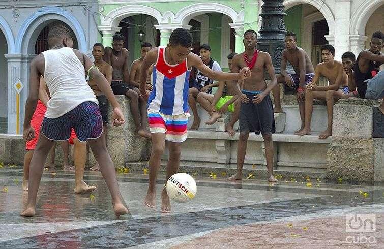 Ligas Superiores de fútbol callejero. Foto: Otmaro Rodríguez.