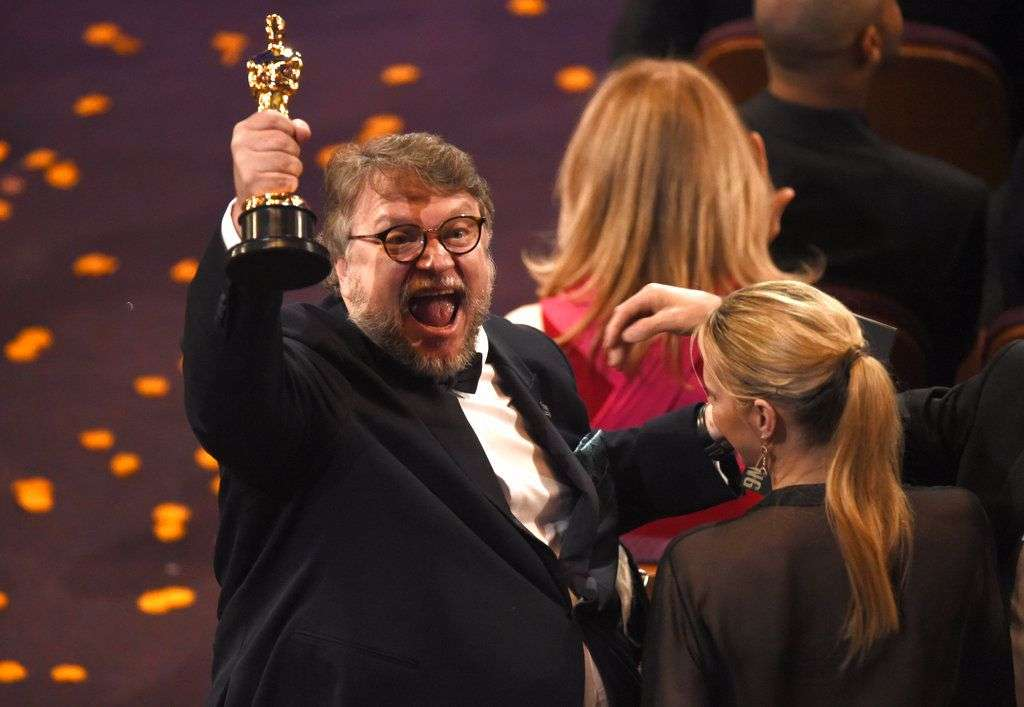 "Guillermo del Toro reacciona tras ganar el Oscar al mejor director por ""The Shape of Water"", el domingo 4 de marzo del 2018 en el Teatro Dolby de Los Angeles. Foto: Chris Pizzello / Invision / AP."