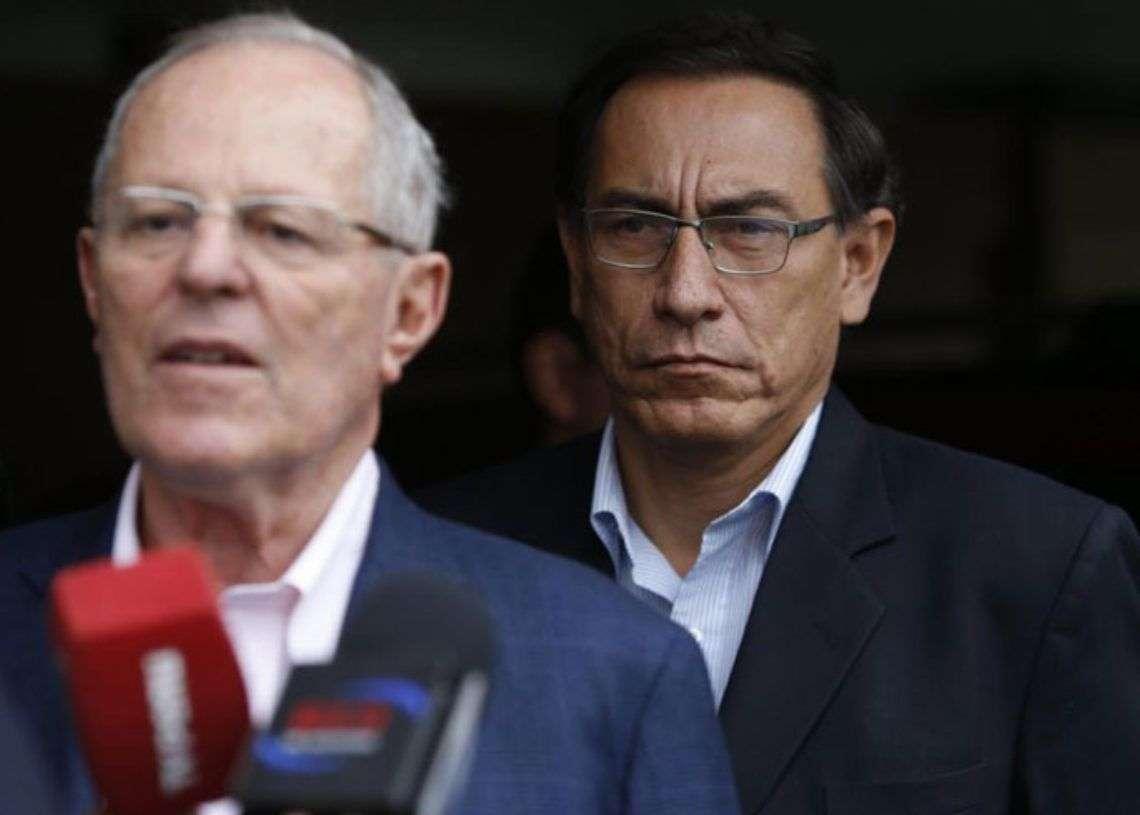 Tras la dimisión de Kuczynski (izq) asumirá la presidencia de Perú el primer vicepresidente Martín Vizcarra. Foto: trome.pe.
